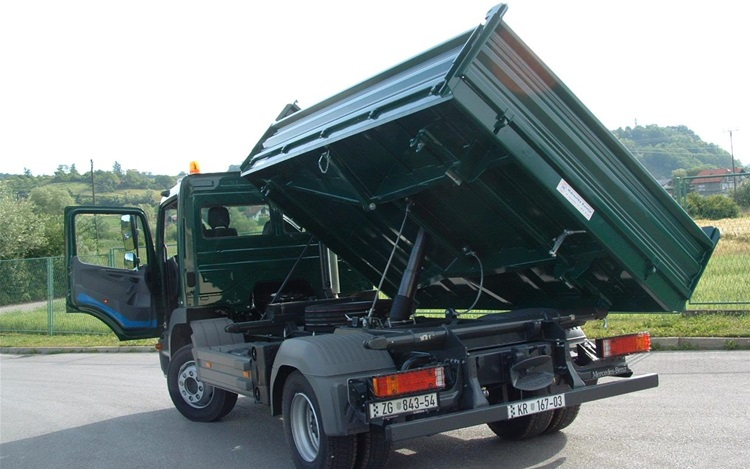 Three-sided tippers